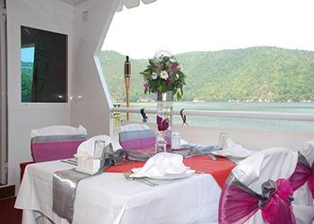 מסעדת plaza